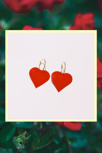 Un corazón rojo Earrings