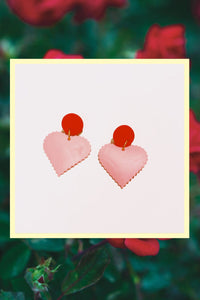Un corazón rosado Earrings