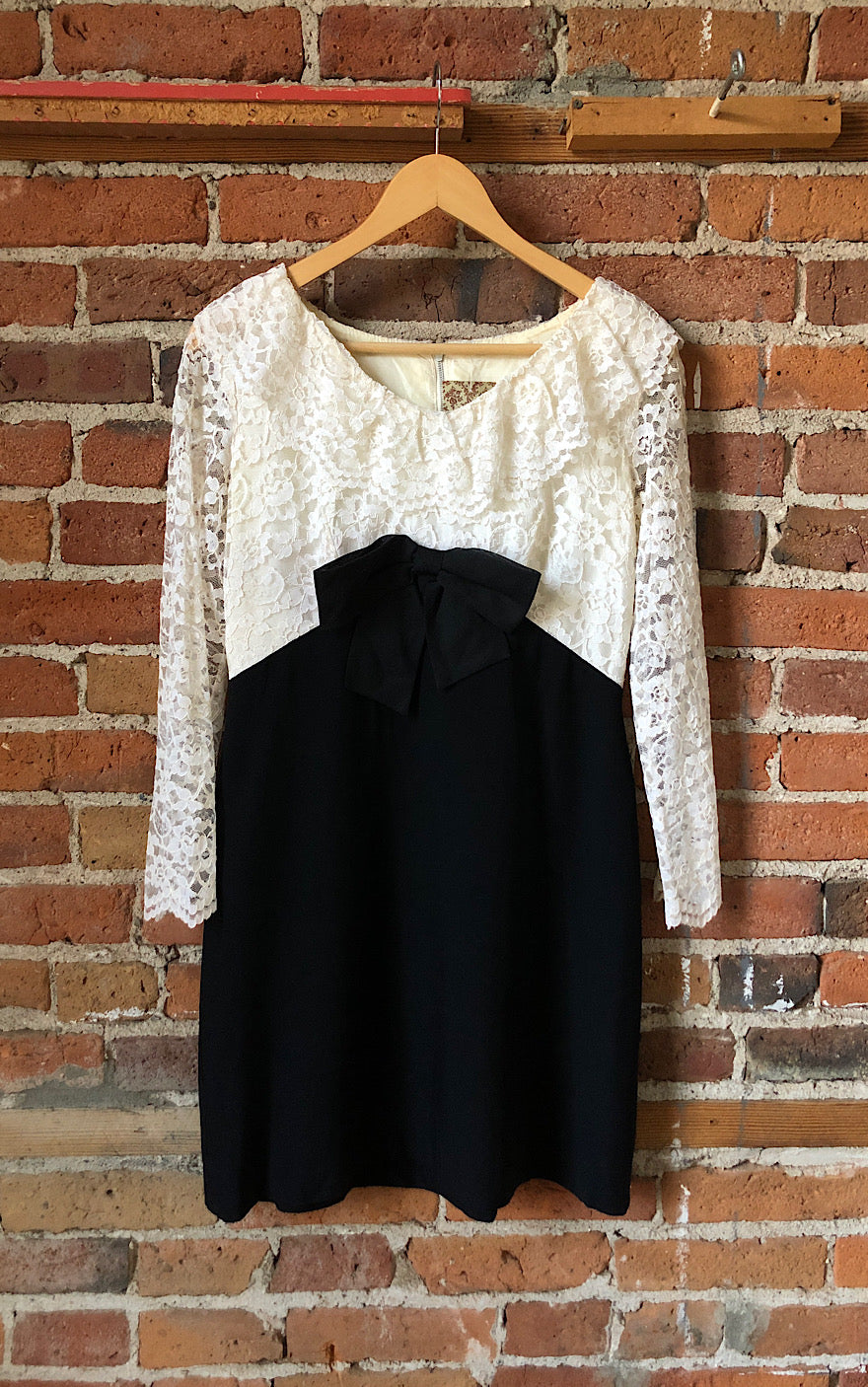 Lovely in Lace 60s Party Dress