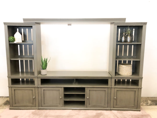 Farmhouse Media Unit (Grey)