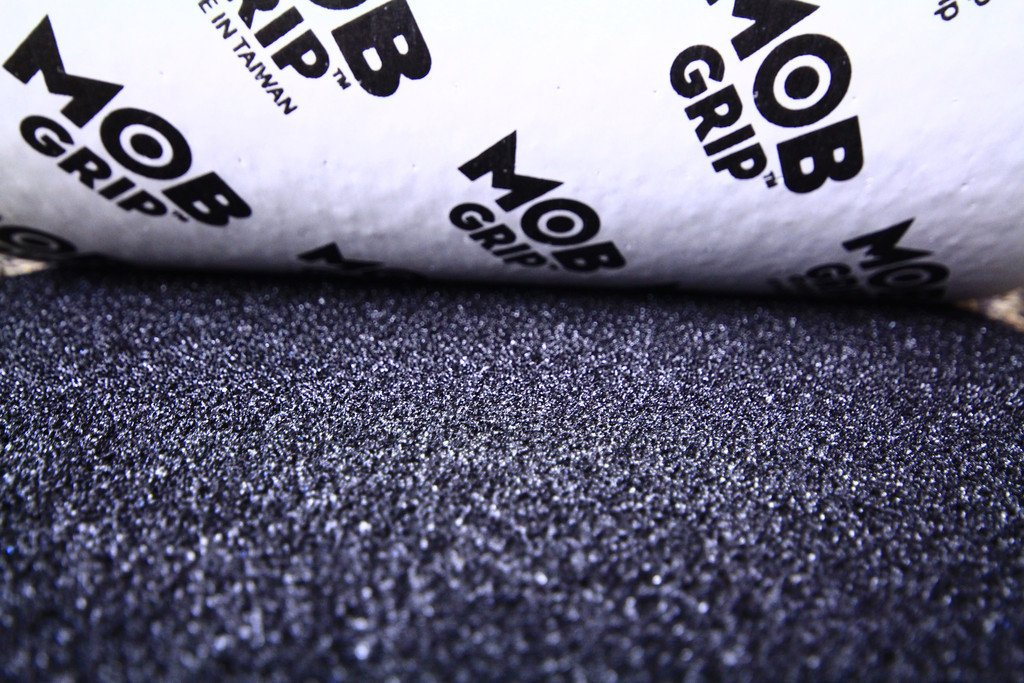 "MOB GRIP Perfored 11"" Griptape Lija"