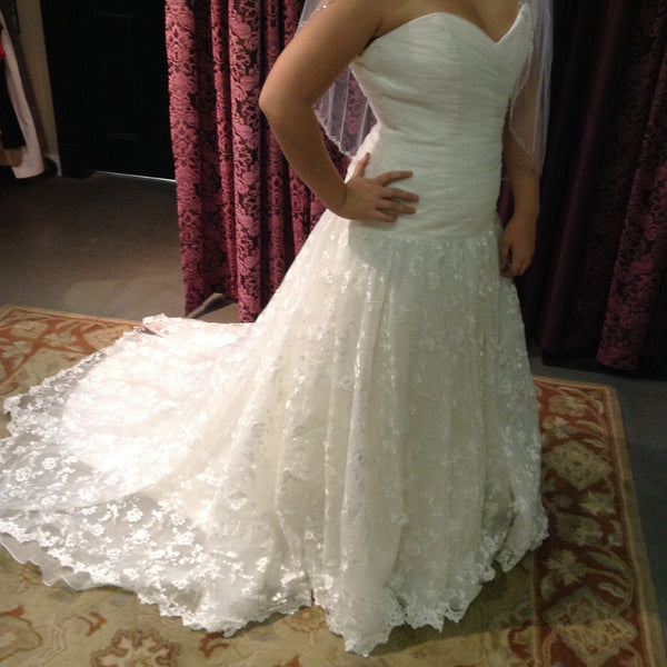 NEW Bella Sposa Wedding Dress