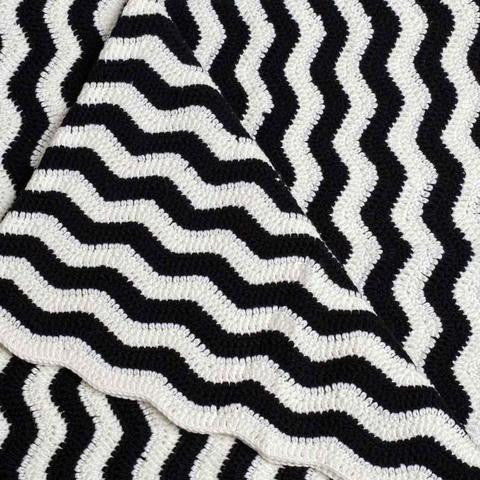 crochet ripple black & white blanket