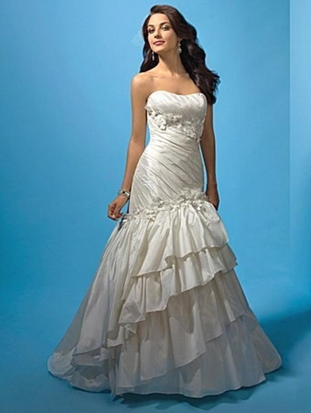 Alfred Angelo 2118 - Jordan's Modern Bride and Groom
