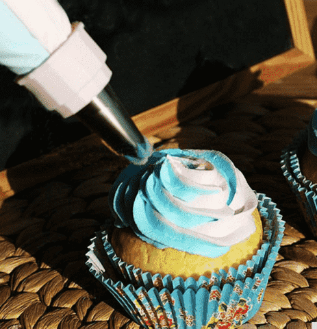 Cake decorating tools free