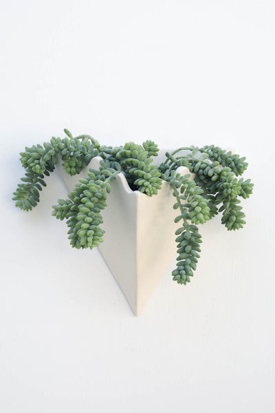 WAVY TRIANGLE WALL PLANTER