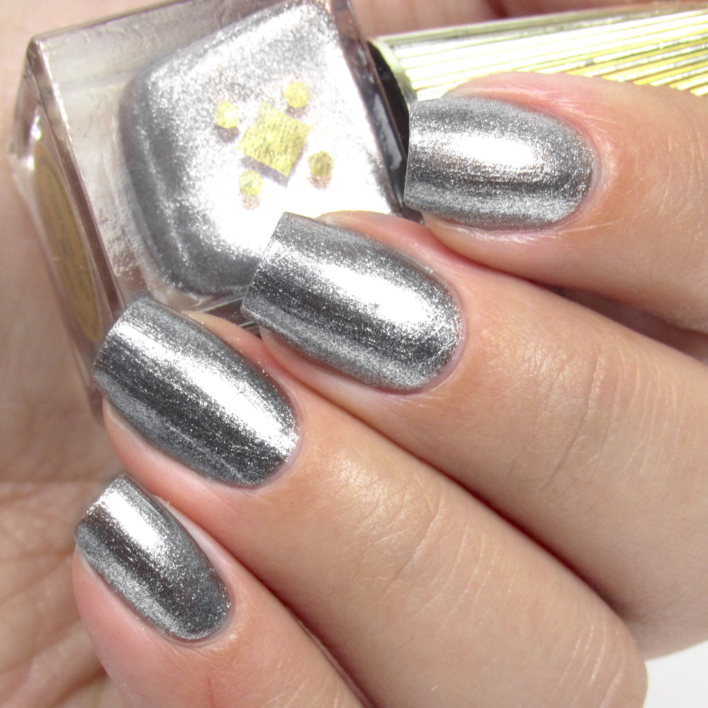 STARRY EYED -  silver metallic nail lacquer by Deco Miami