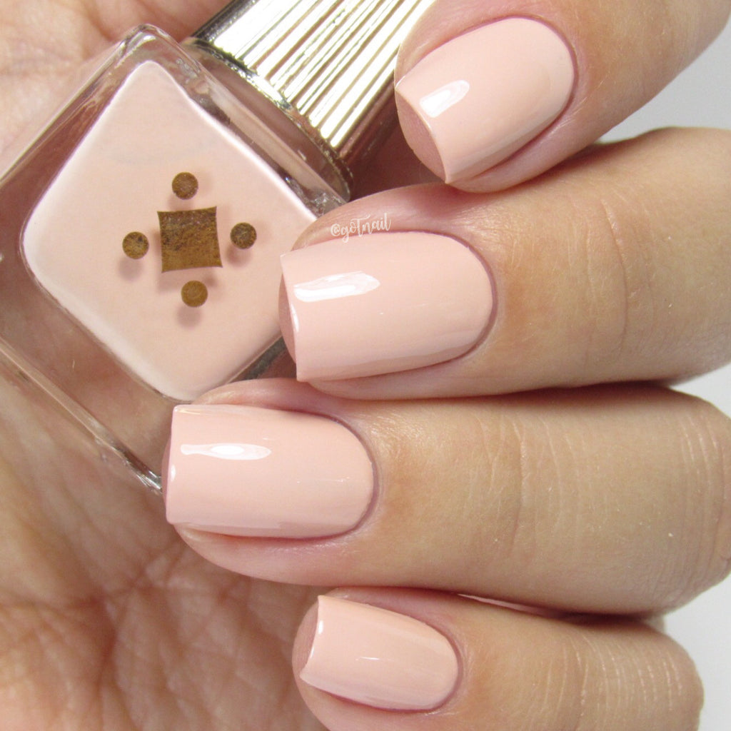 KITTEN'S PAW -  beige pink crème nail lacquer by Deco Miami