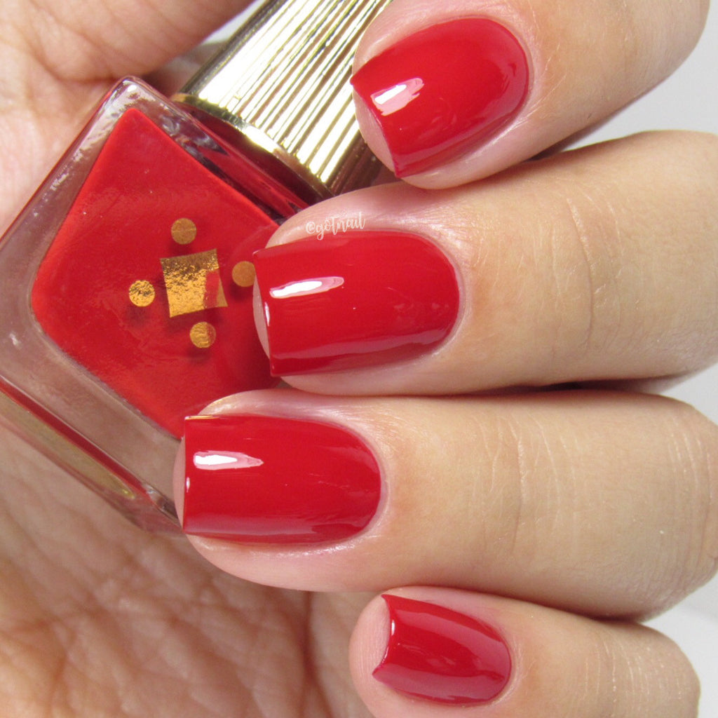 Deco Miami Nail Lacquer Señorita Light Swatch