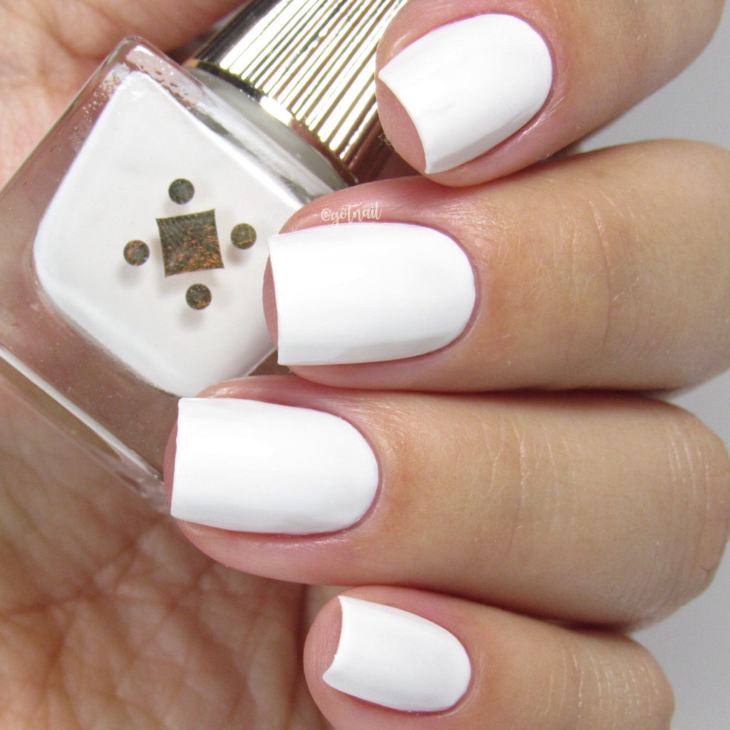 Deco Miami Nail Lacquer Coco Light Swatch