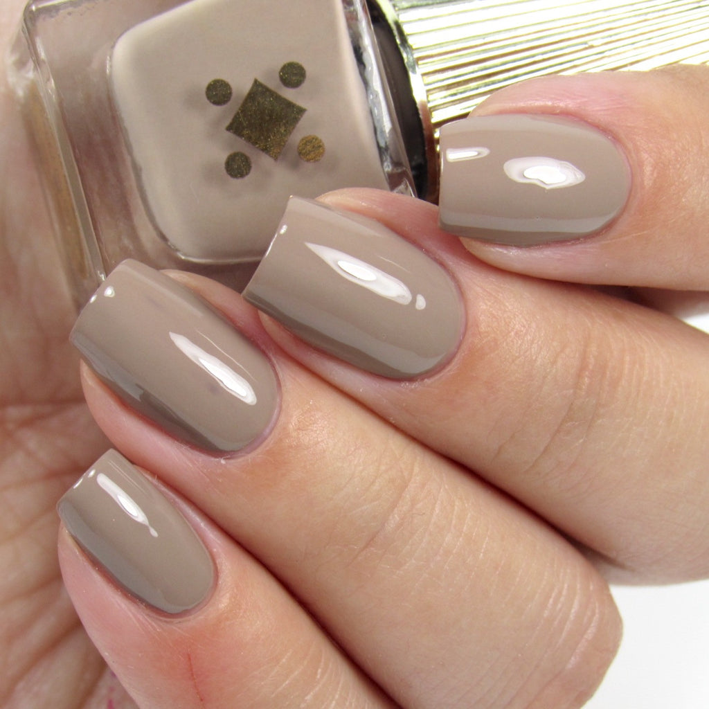 Deco Miami Nail Lacquer Café Con Leche Light Swatch