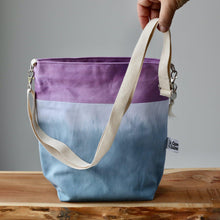 Load image into Gallery viewer, Aquarelle Project Bag - Hand-Dyed Organic Cotton, Crossbody: Bicolour Blu & Viola-La Cave à Laine