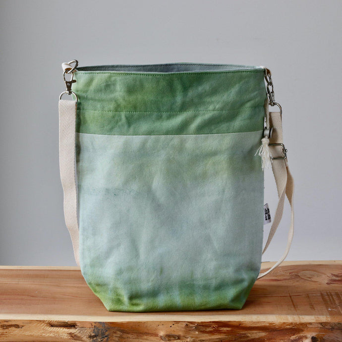 Aquarelle Project Bag - Hand-Dyed Organic Cotton, Crossbody: Bicolour Verde-La Cave à Laine