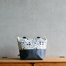 Load image into Gallery viewer, Linocut Project Bag - Long Handles XL - Black&White-La Cave à Laine