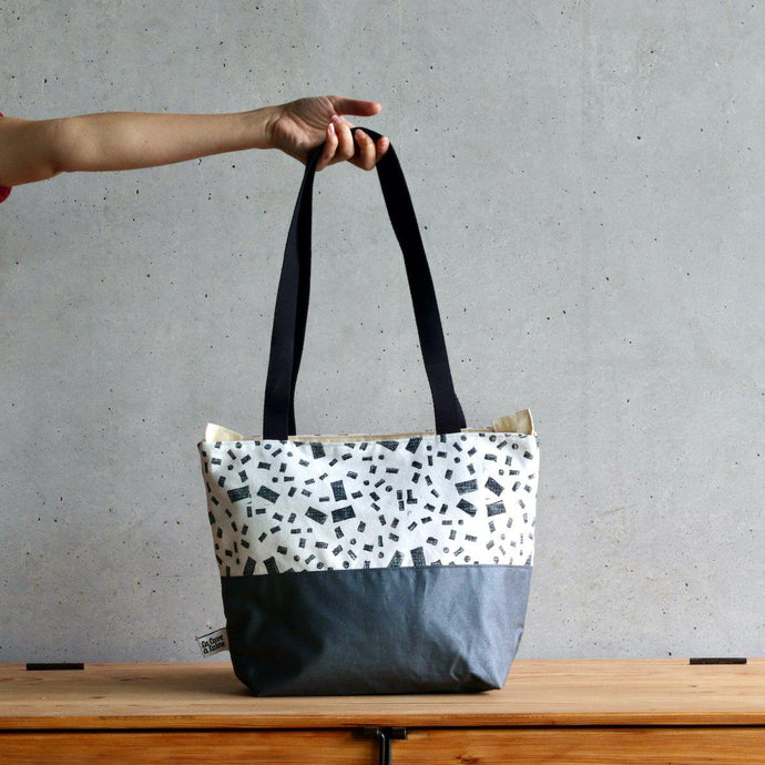 Linocut Project Bag - Long Handles XL - Black&White-La Cave à Laine