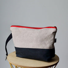 Load image into Gallery viewer, Project Bag Wristlet - Hand-dyed, Red Zipper-La Cave à Laine