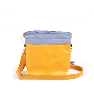 Cerata Bucket Project Bag - Crossbody Shoulder Strap Medium-La Cave à Laine