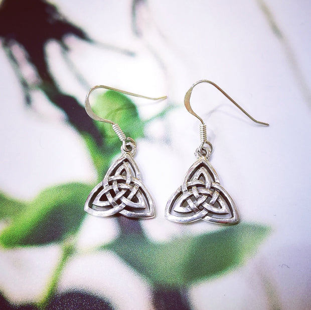 Sterling Silver Curved Trinity Knot Earrings