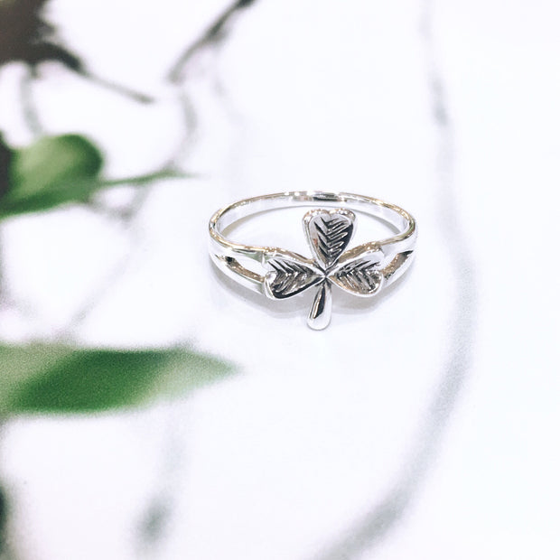 Detailed Shamrock Ring - Sterling Silver