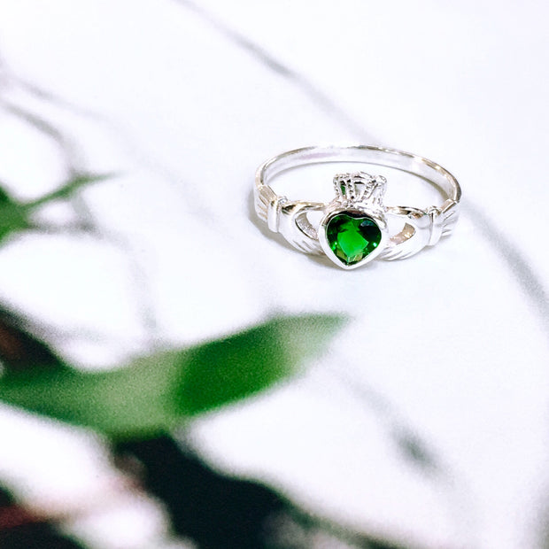 Sterling Silver Green Zirconia Claddagh Ring