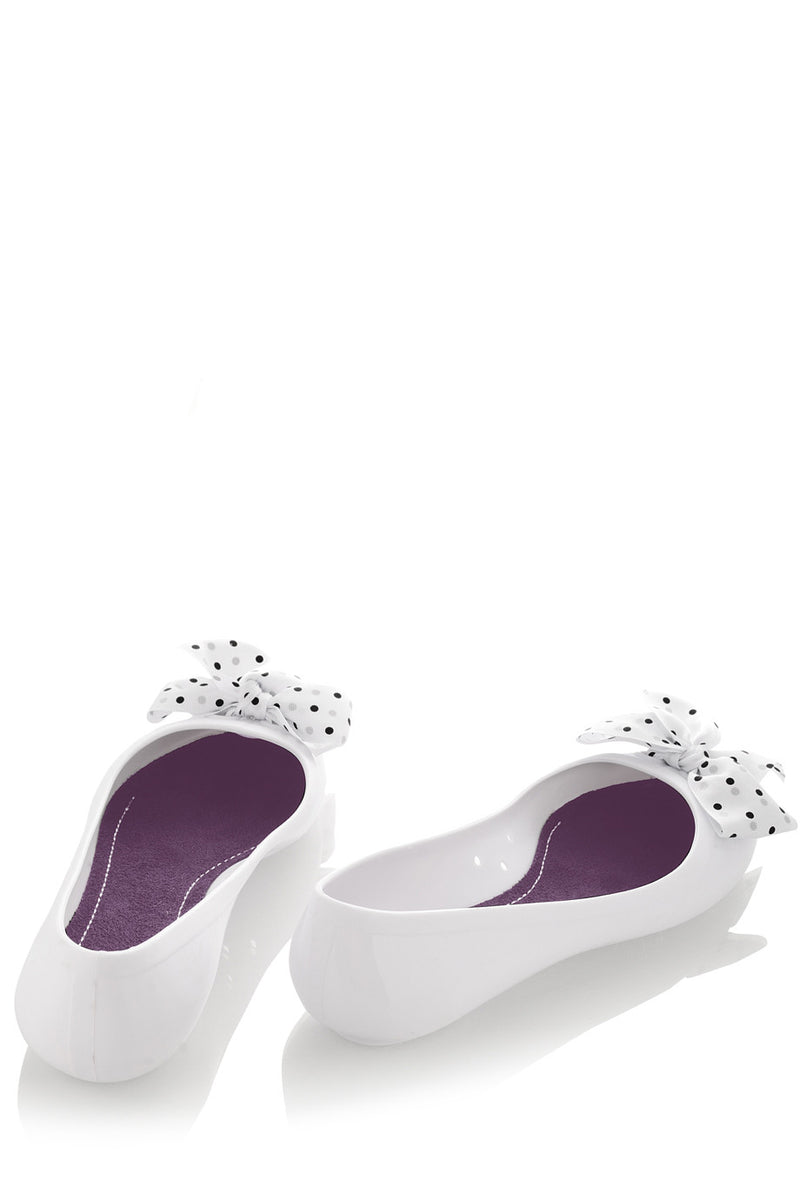 COLORS OF CALIFORNIA CHIC IN THE CITY White Ballerinas