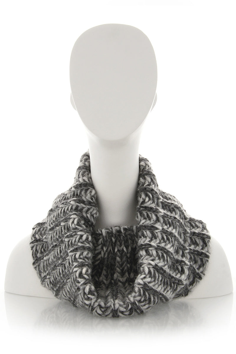 INVERNI EVEREST Grey Fishbone Wool Woman Scarf