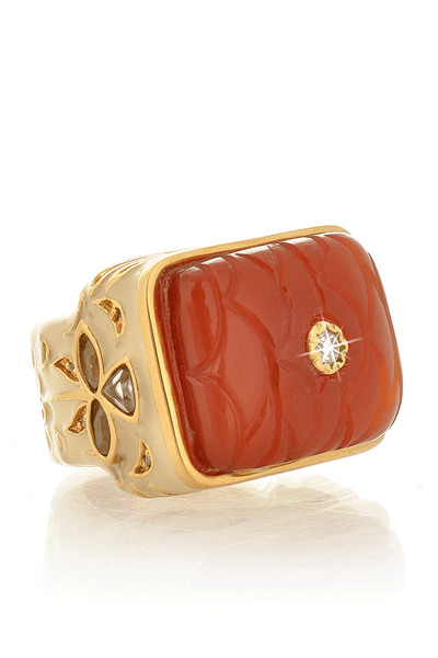 ISHARYA ZAHIR Creme and Orange Onyx Carved Ring