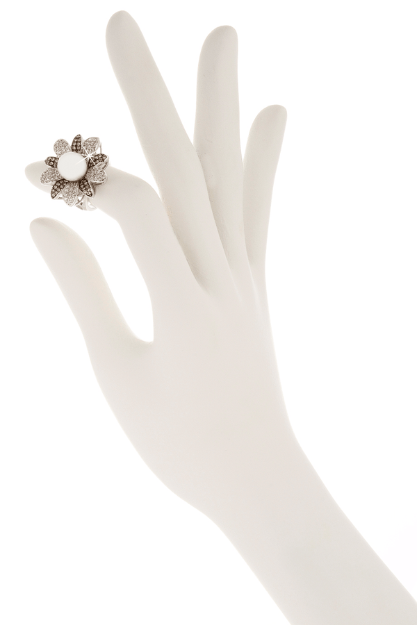 KENNETH JAY LANE FLOWER Silver Pearl Crystal Cocktail Ring