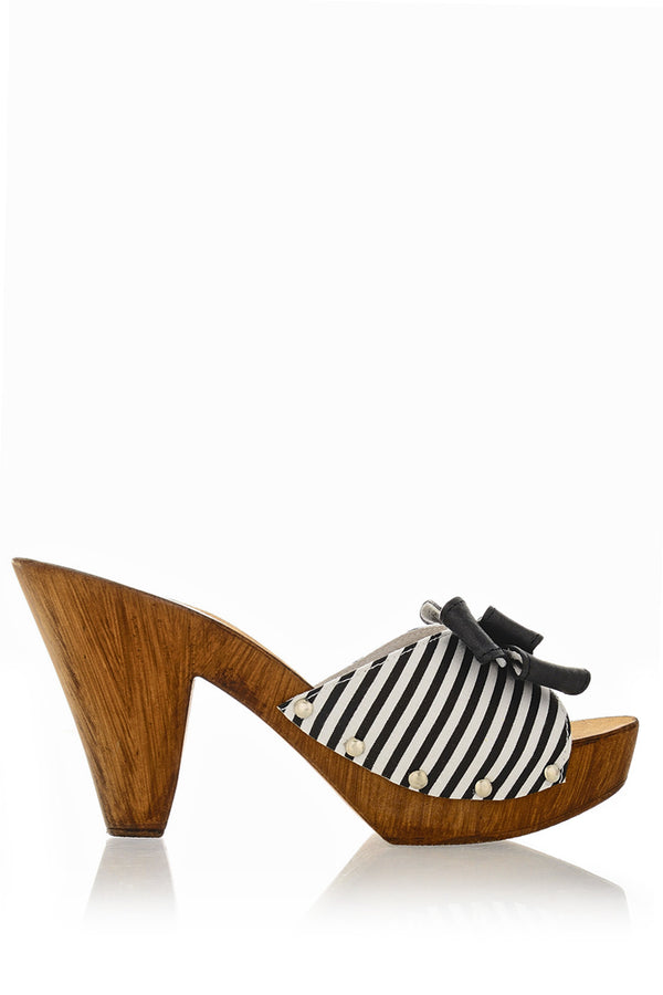 LICIA Black Striped Clogs