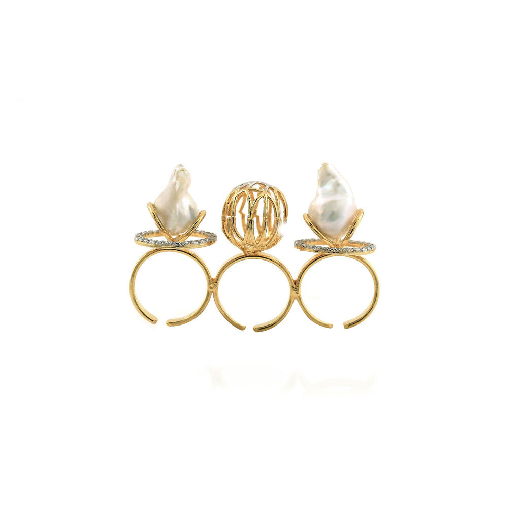 Rema Luxe - Gold Brass Metal Acrobats Ring