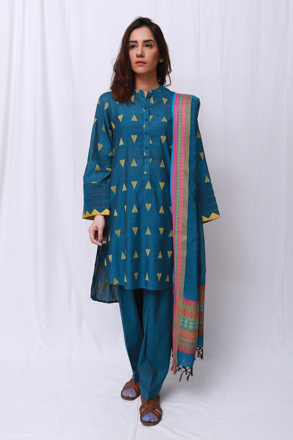 Generation - Ferozi Ode To Handloom Suit