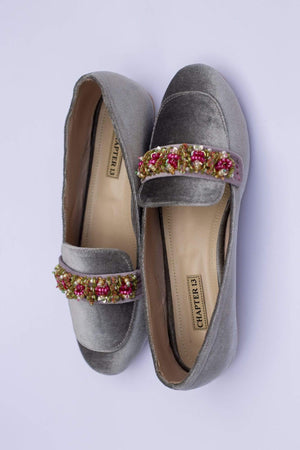 Chapter 13 - Grey Juncus Loafers