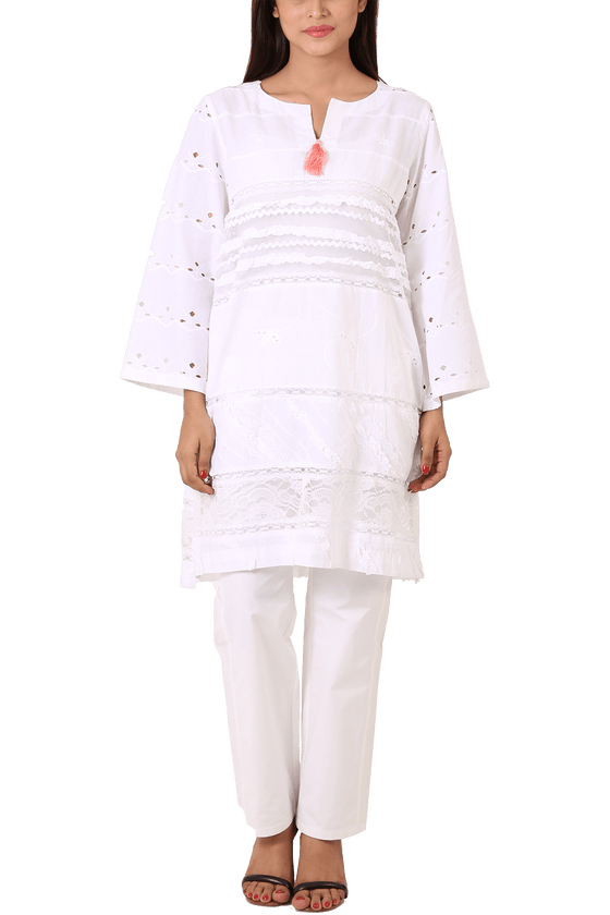 Maheen Ghani Taseer - White Embroidered Shirt With Pink Tassels