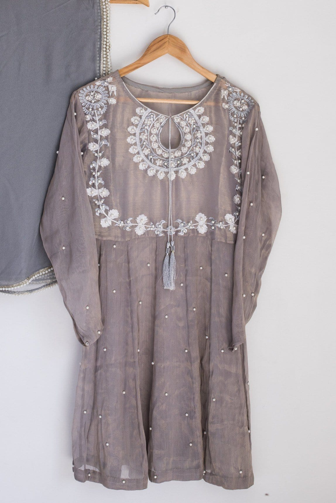 kuli jumé  - Light Grey Kiavash