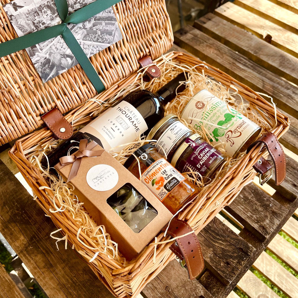Hamper Casimir