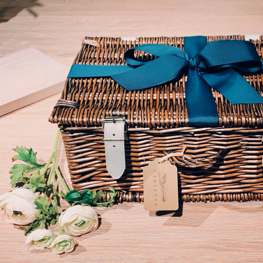 Closed hamper with Ribbon Emile Hamper