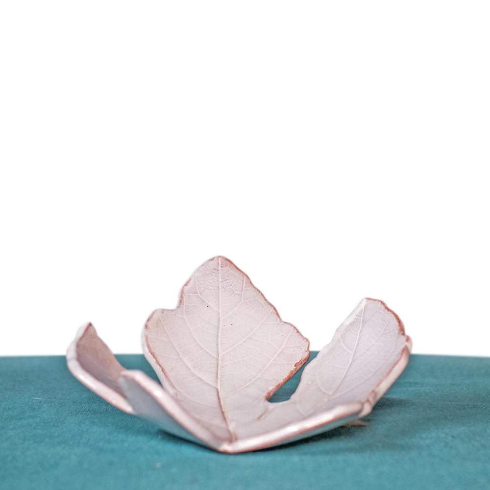 Ceramic fig leaf plate