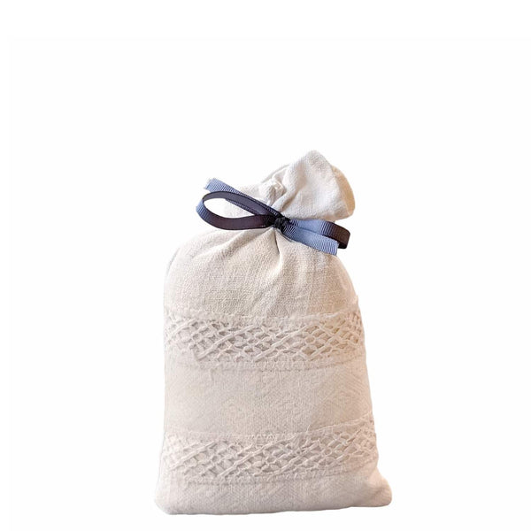 Lavender bag made of antique linen and filled with dried lavender flowers from Provence