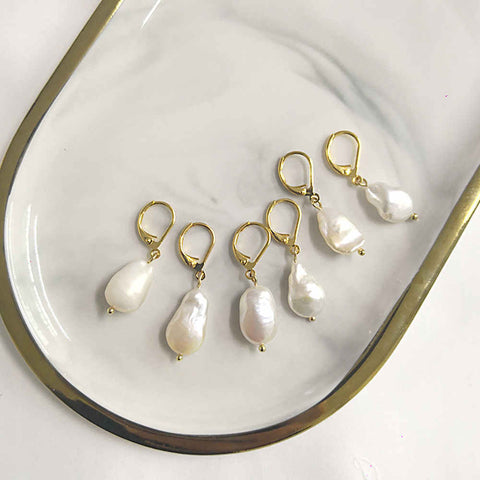 Natural Freshwater Pearl Baroque Earrings AL193