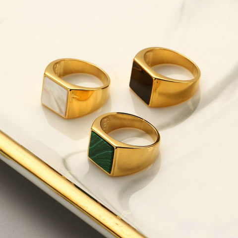 White Shell 18K Gold Rectangle Gold 7.0 Ring AL176
