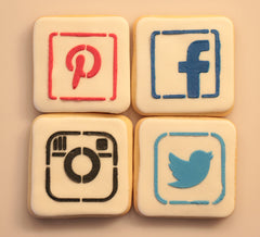 4 pcs Social Cake and Cookie Stencil, Airbrush|4 Stück Facebook Schablonen, Airbrush