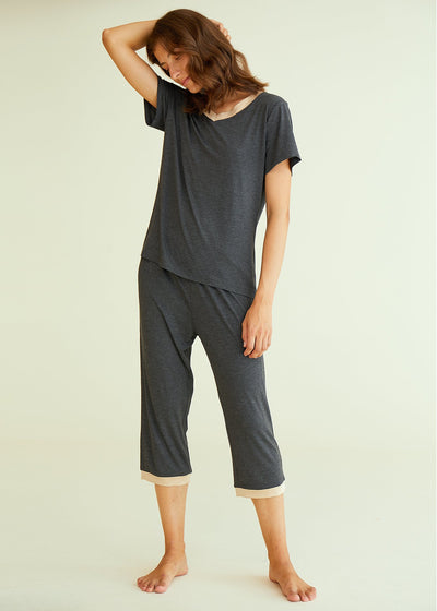 Women's Bamboo Tops with Capri Pants Pajamas Set - Latuza