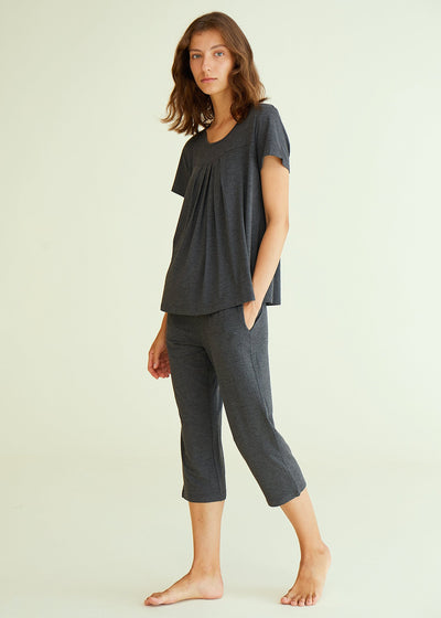 Women's Bamboo Pajamas Pleated Top and Capris Pjs Set - Latuza