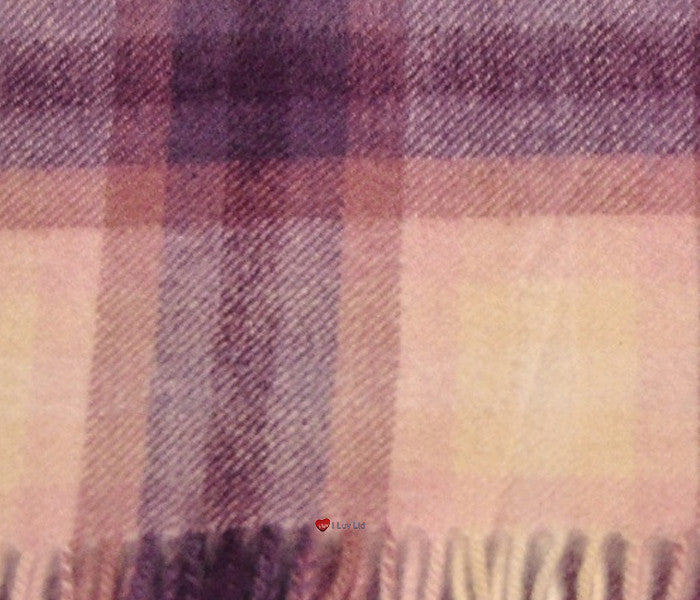 Edinburgh Cashmere Scarf in Light Pink Double Check BL