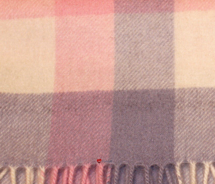 Edinburgh Cashmere Scarf in Light Pink and Light Blue Check BL