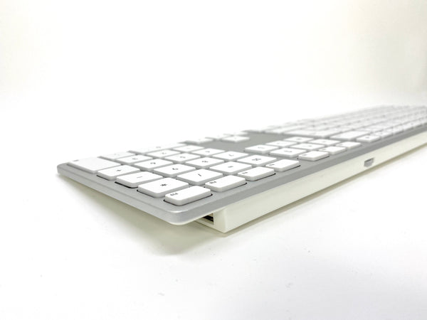Wired Aluminum Keyboard for Mac - Silver - French Canadian Version
