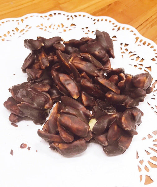 Organic Chocolate Bites with Wild Harvested Pili Nuts: sugar-free with organic cocoa beans (120g)