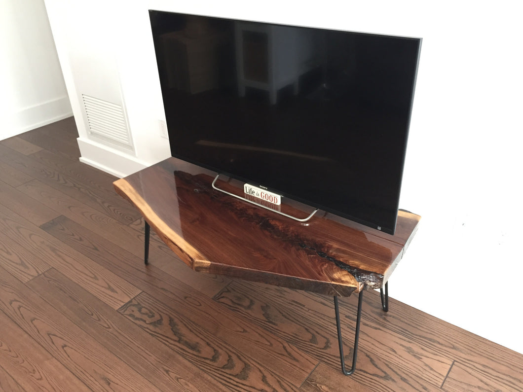 Live Edge TV console - King of hearts
