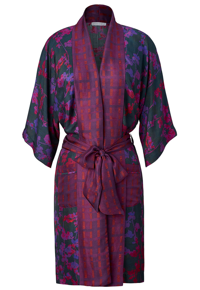 Load image into Gallery viewer, Silk Brambles Border Robe