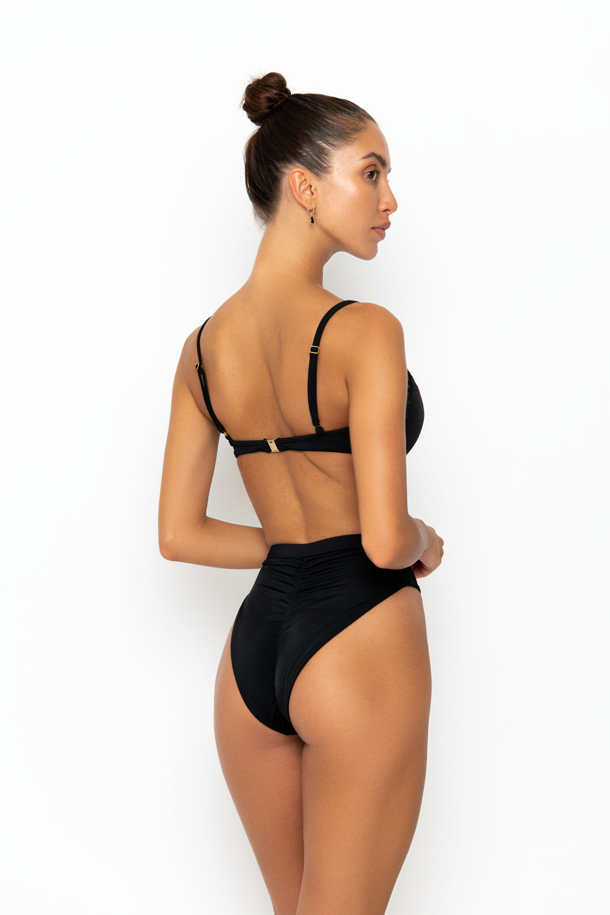 AKUA BOTTOM - BLACK MATTE